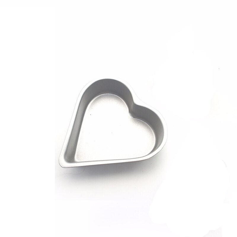 Cute  Heart-shaped Baking Cake Molds