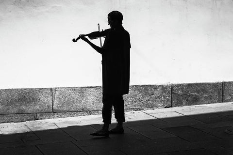 The lone violinist | Portugal