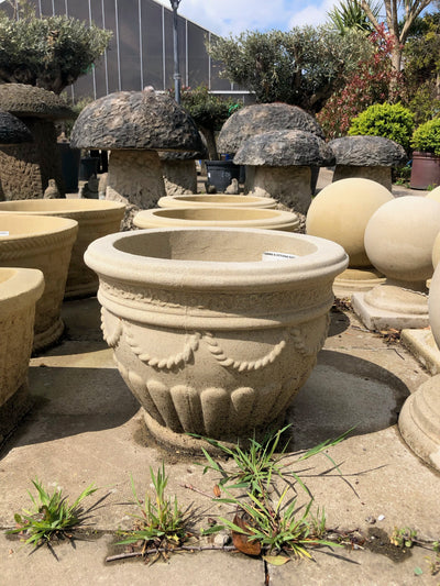 Round Pot Garden Ornament