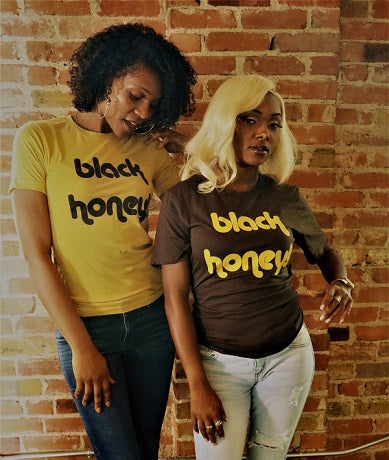 BLACK HONEY tee/sweatshirt