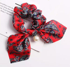 Scarf Scrunchie (Paisley red)