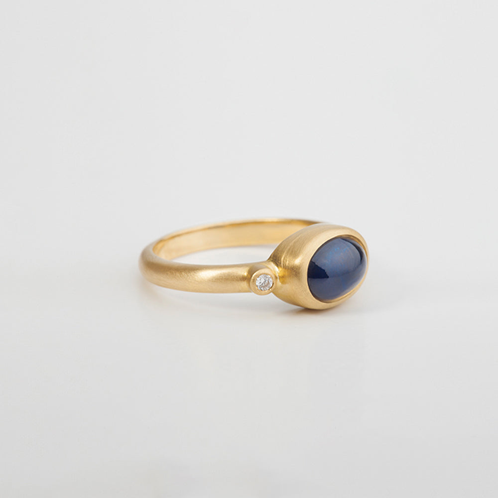 Sapphire And Diamonds (Oval)