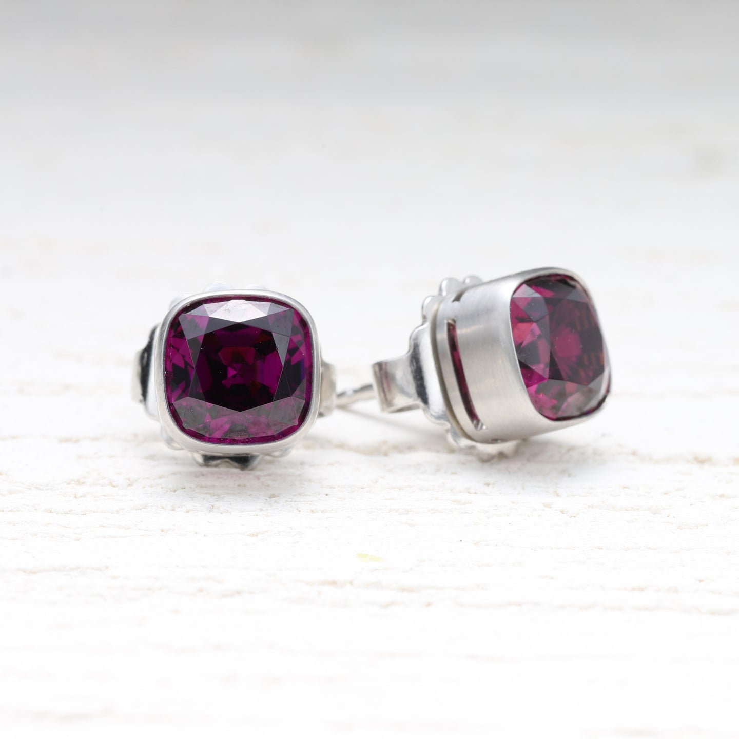 33145 Amaranth Garnet Bezel Stud Earrings