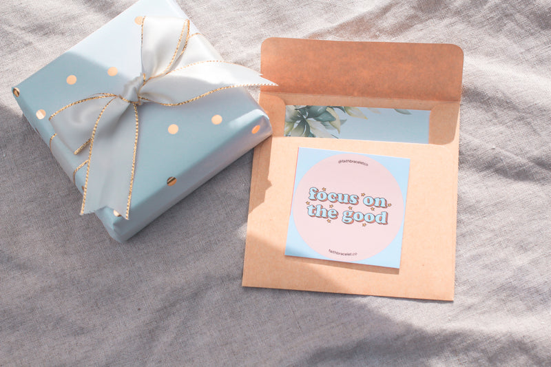 Gift wrapping + Handwritten note