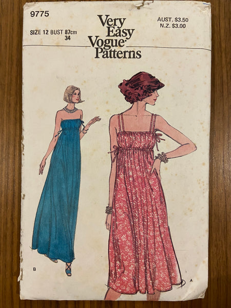 Vogue 9775 very easy vogue vintage 1970s dress sewing pattern