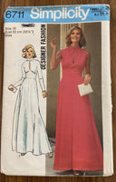 Simplicity 6711 vintage 1970s dress pattern - wounded
