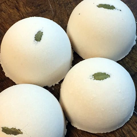Spiced Chai (Cardamom and Bay Laurel) Bath Bomb