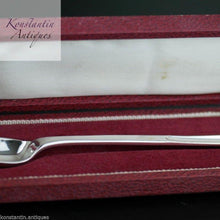 Load image into Gallery viewer, Vintage sterling silver Marrow Scoop spoon in box Sheffield 1965 Howard