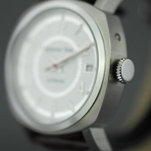 Moscow Time 27 jewels Automatic wrist watch with white dial and brown strap