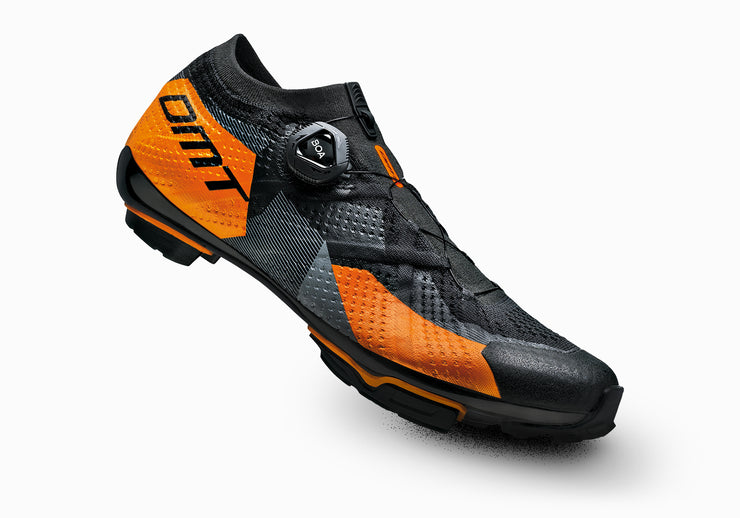 ZAPATILLAS DMT KM1 BLACK/ORANGE