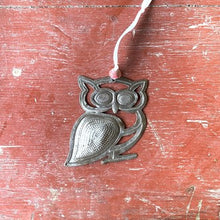 Load image into Gallery viewer, Metal Owl Ornament