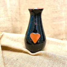 Load image into Gallery viewer, Calliope Heart Vase Firefly