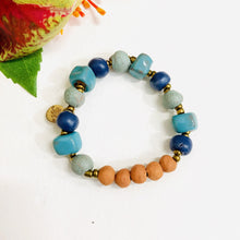 Load image into Gallery viewer, Glazed Aromatherapy Bracelet Blue/Green