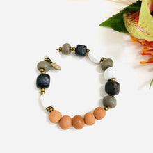 Load image into Gallery viewer, Glazed Aromatherapy Bracelet