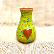 Load image into Gallery viewer, Calliope Heart Vase Green Confetti