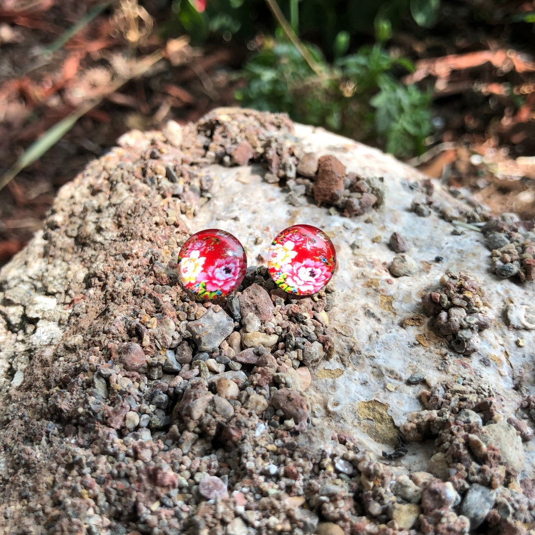 Blossoming Studs (Red)