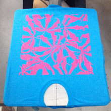 Load image into Gallery viewer, Tshirt Screenprinting Workshop: How to Use A Press