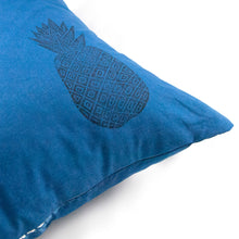 Load image into Gallery viewer, Indigo Dyed Linen Throws Pillow Covers