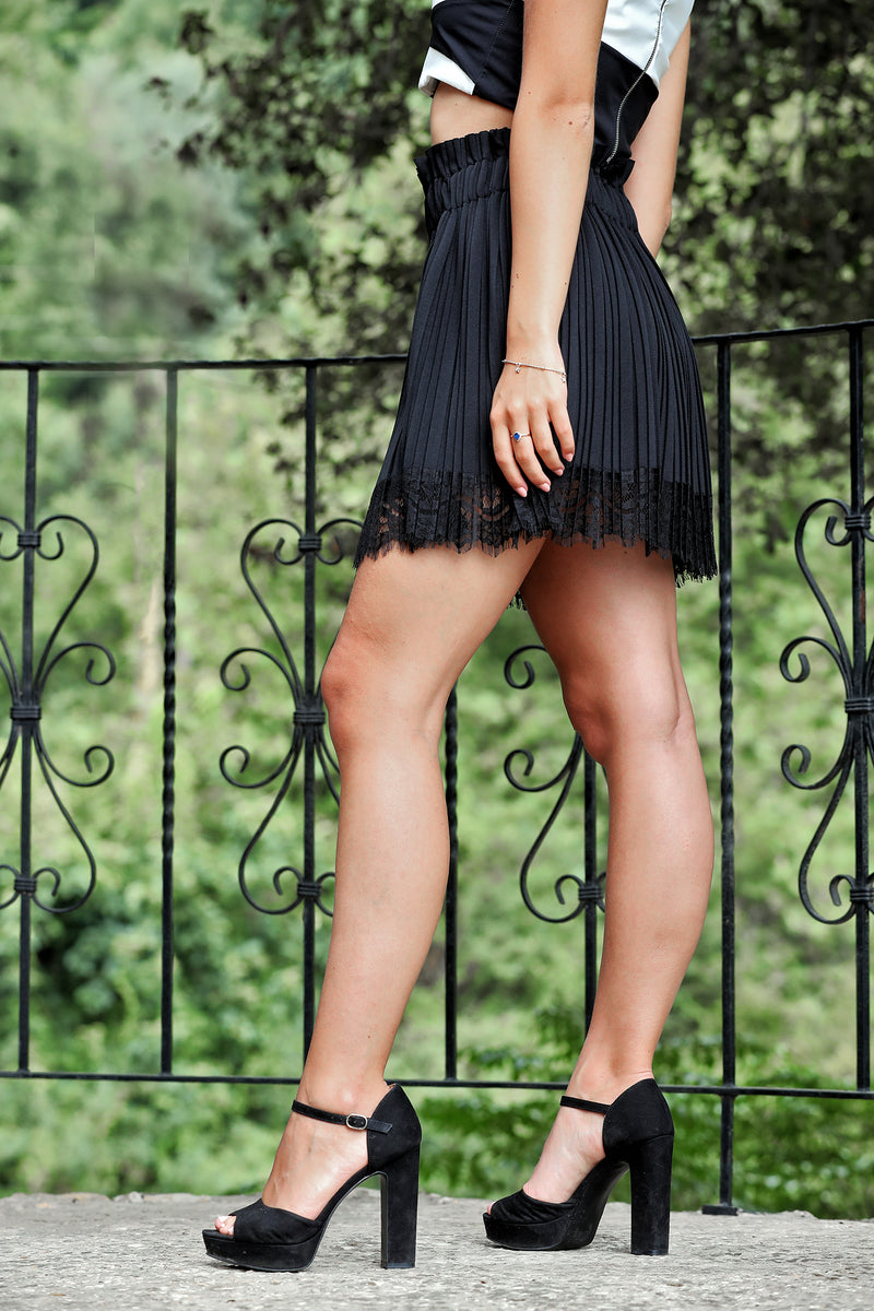 Short Skirt Black