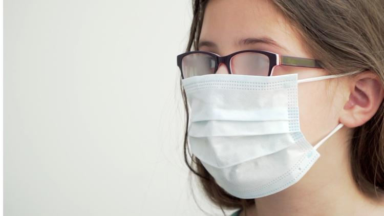 4 Tips to Wear a Face Mask without Letting Your Glasses Fogging Up