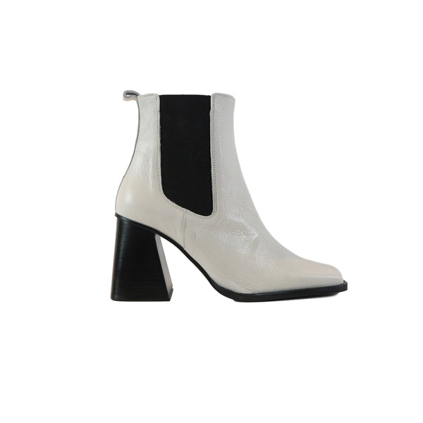 CATALINA | WHITE BOOT WITH BLOCK HEEL - TrystShoes