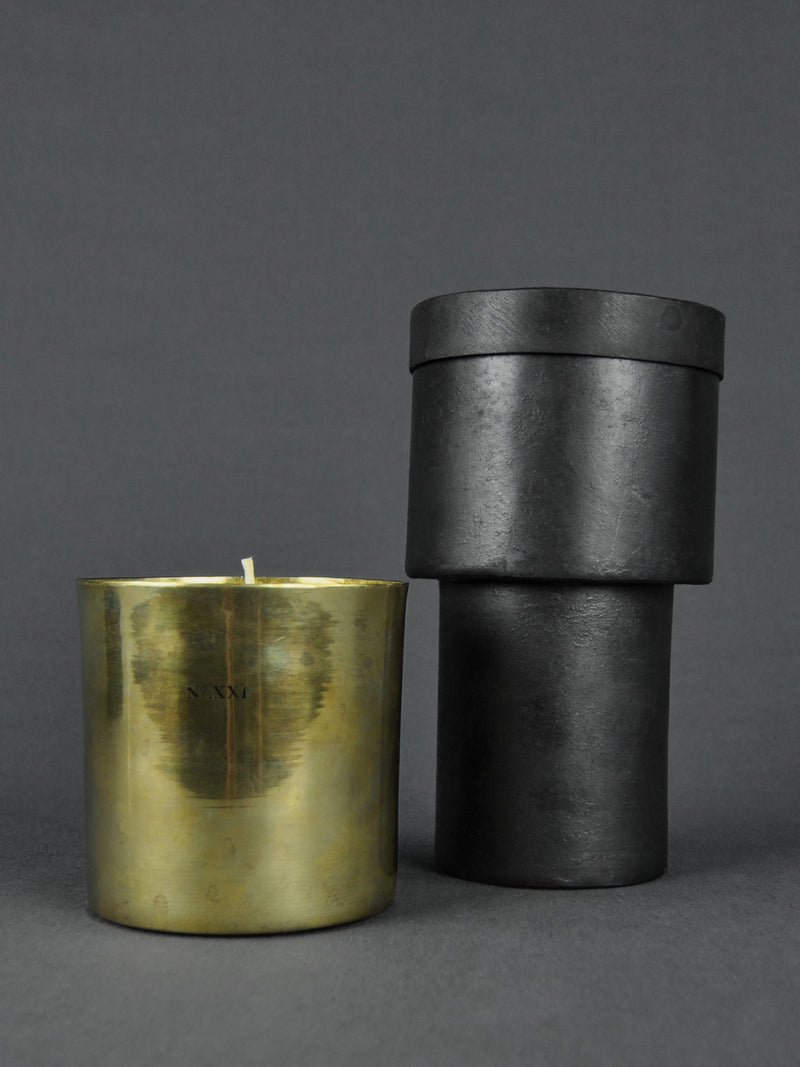 MAD et LEN | Design Objekt - Bougie Fumiste Candle Holder | Kerzenhalter | Shop Online | BADINFORM