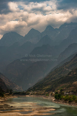 130322-7266 <i>Tiger Leaping Gorge</i>