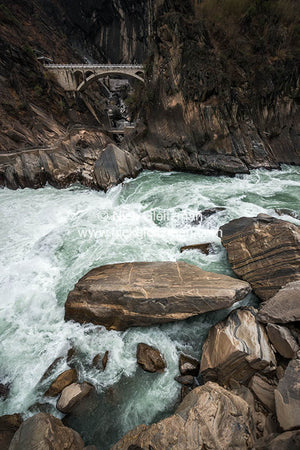 130322-7319 <i>Tiger Leaping Gorge</i>