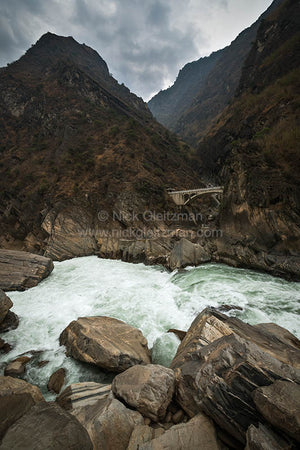 130322-7327 <i>Tiger Leaping Gorge</i>