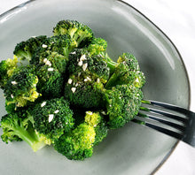 Load image into Gallery viewer, Garlic & Lemon Broccoli