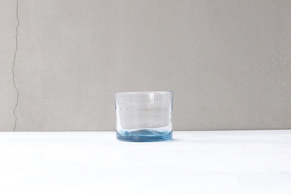 hakeme rocks glass blue