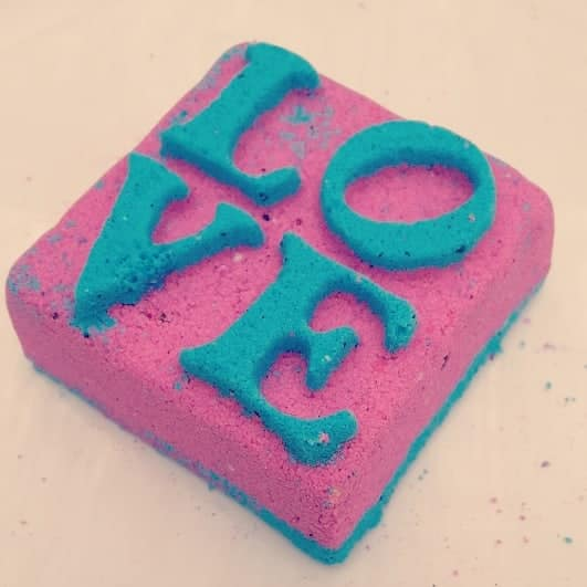 LOVE Square Bath Bomb