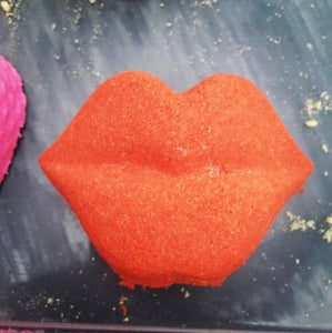 Kiss Lips Bath Bomb