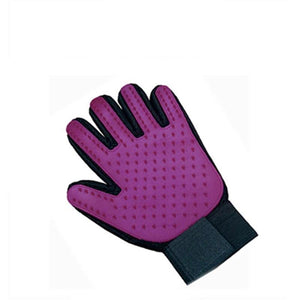 hands on pet grooming gloves for dogs in purple color