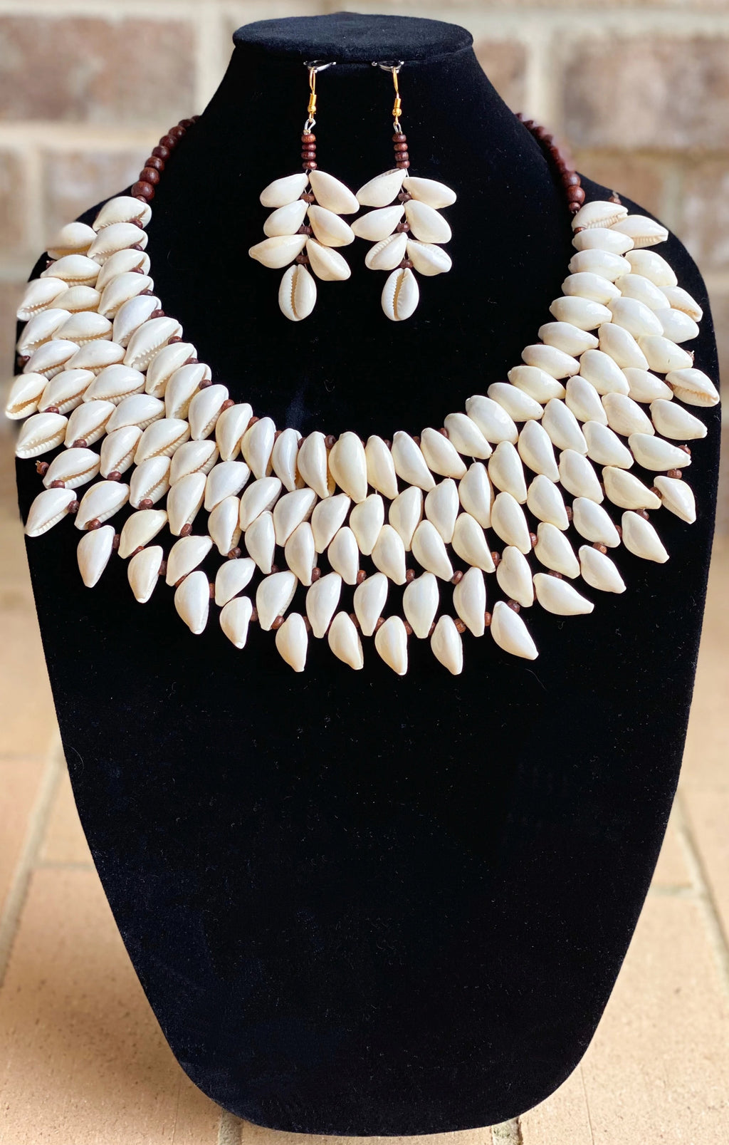Kodi Cowrie Shell 5-Row Jewelry Set