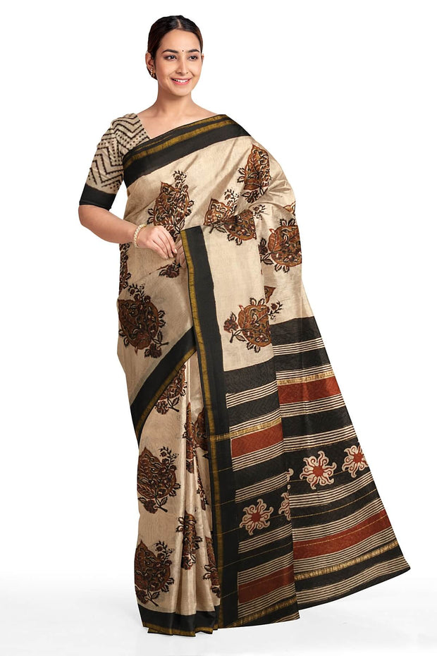 Handloom Chanderi silk cotton saree in beige with big floral motifs - Anivartee