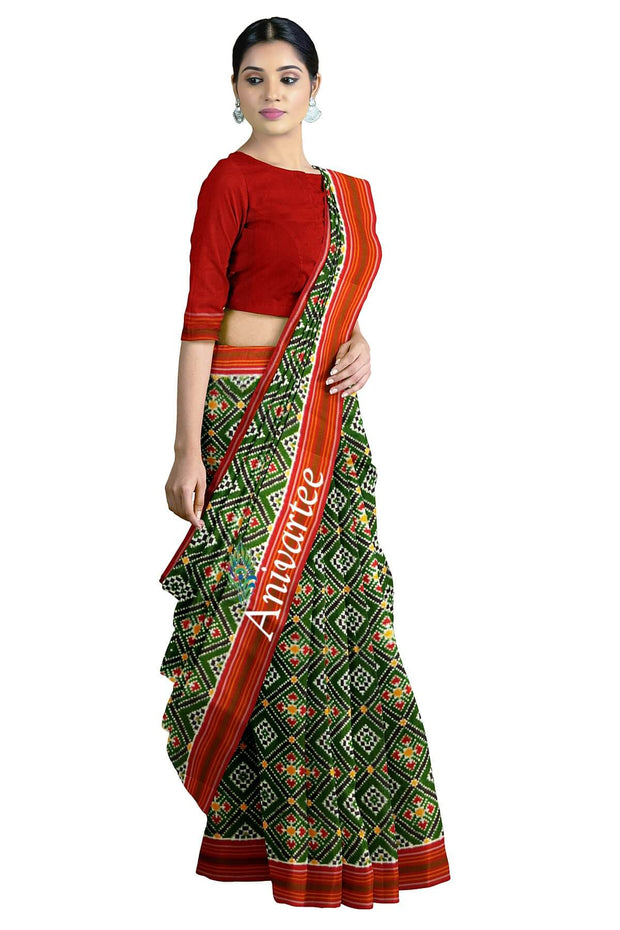 Gorgeous double ikat pure silk saree in green in choktha bhat ( diamond pattern)
