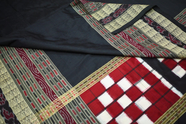 Handloom double ikkat pure silk dupatta in black in pasapalli pattern