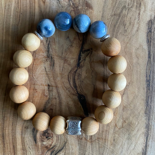 Sandalwood and Blue Banded Agate Bracelet