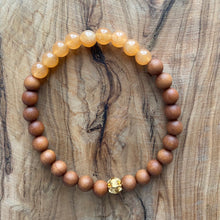 Load image into Gallery viewer, Petite Carnelian and Sandalwood Bracelet
