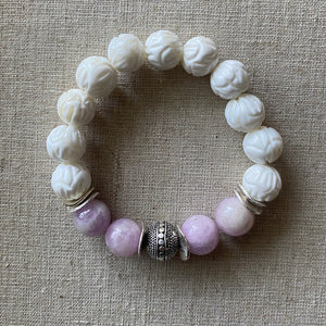 Carved Tridacna Shell and Kunzite Bracelet