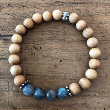 Load image into Gallery viewer, Labradorite and Sandalwood Bracelet