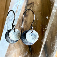 Load image into Gallery viewer, Simple Two-Tone Silver Disc Earrings