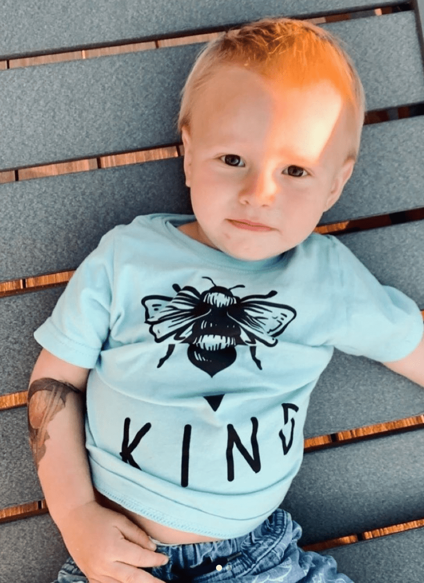 Bee kind / Infant or Toddler Tee - Happy momma merch