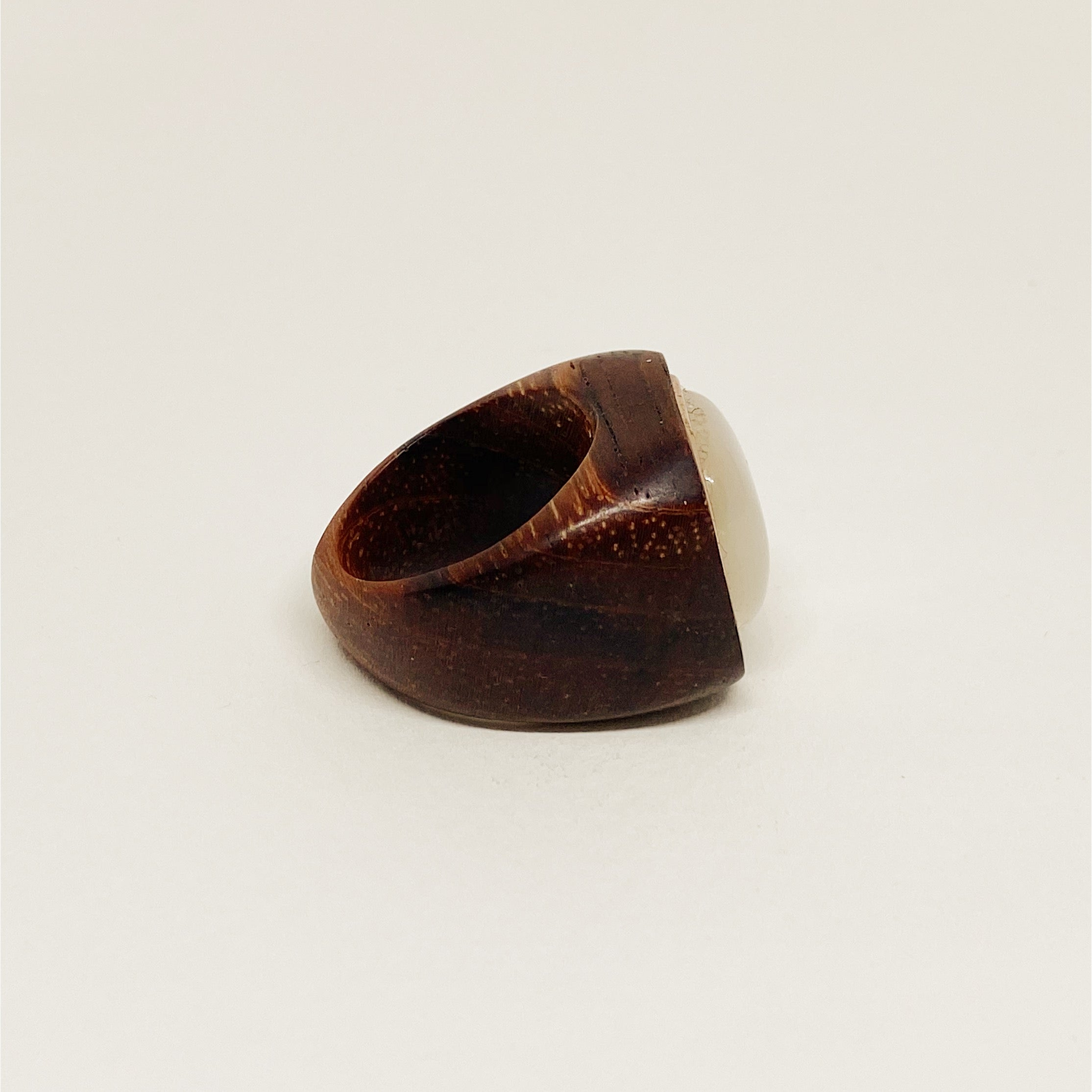 Gold Square Nacre | Wooden Ring