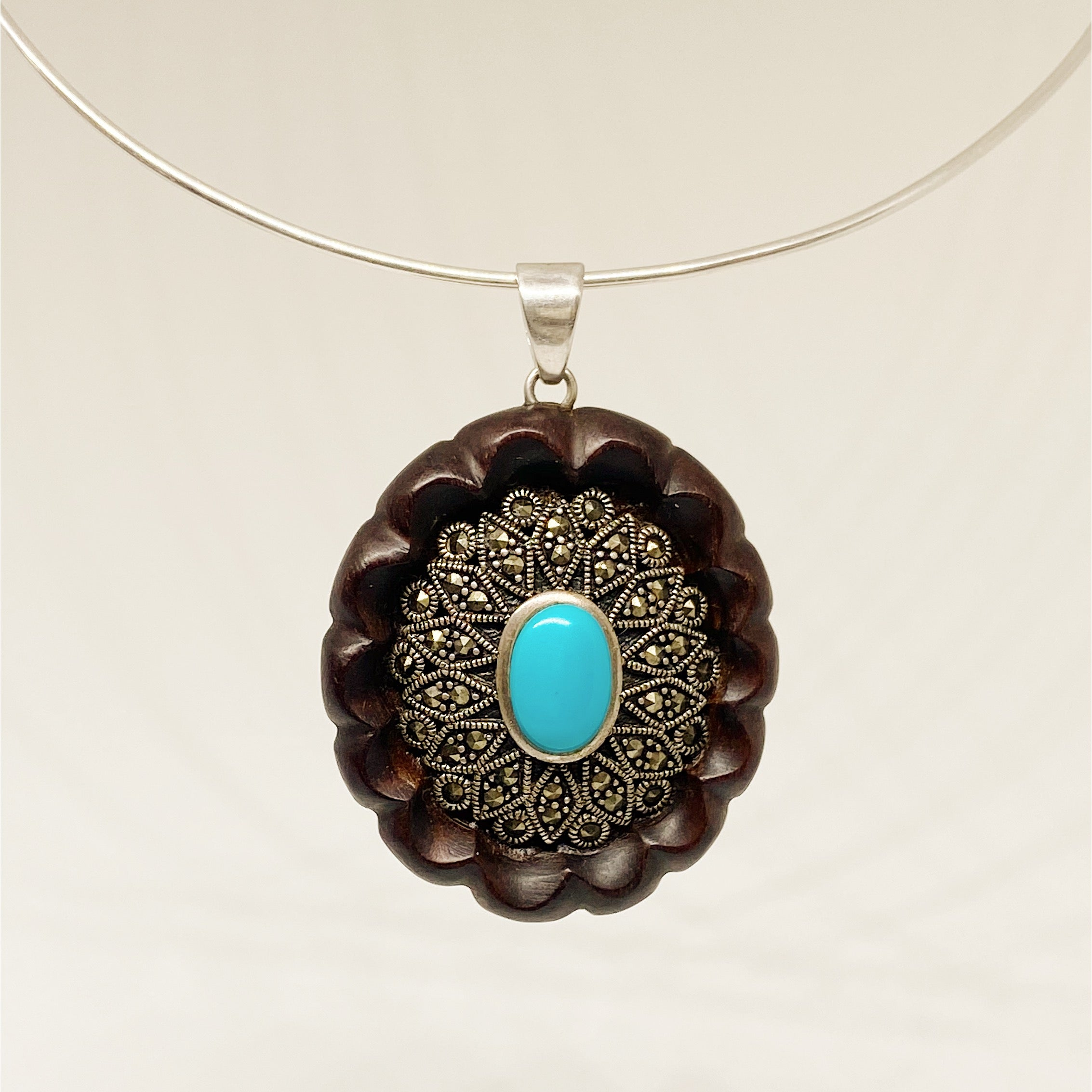 Turquoise Ornament | Wooden Necklace