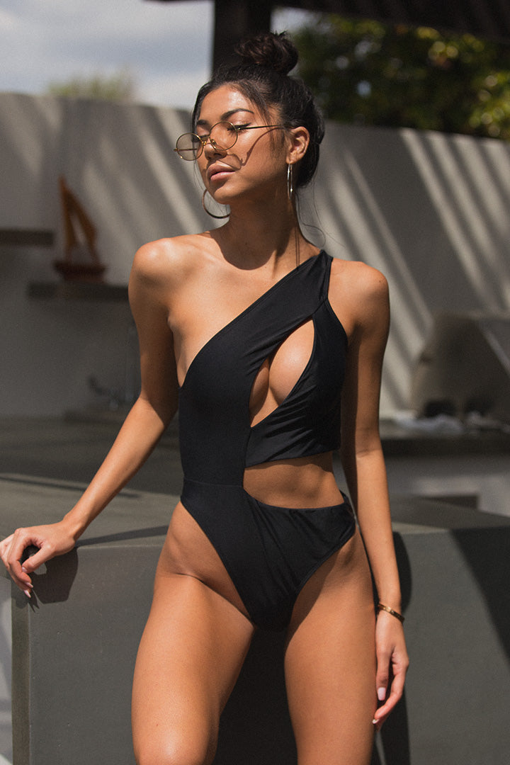 Aria Monokini in Black