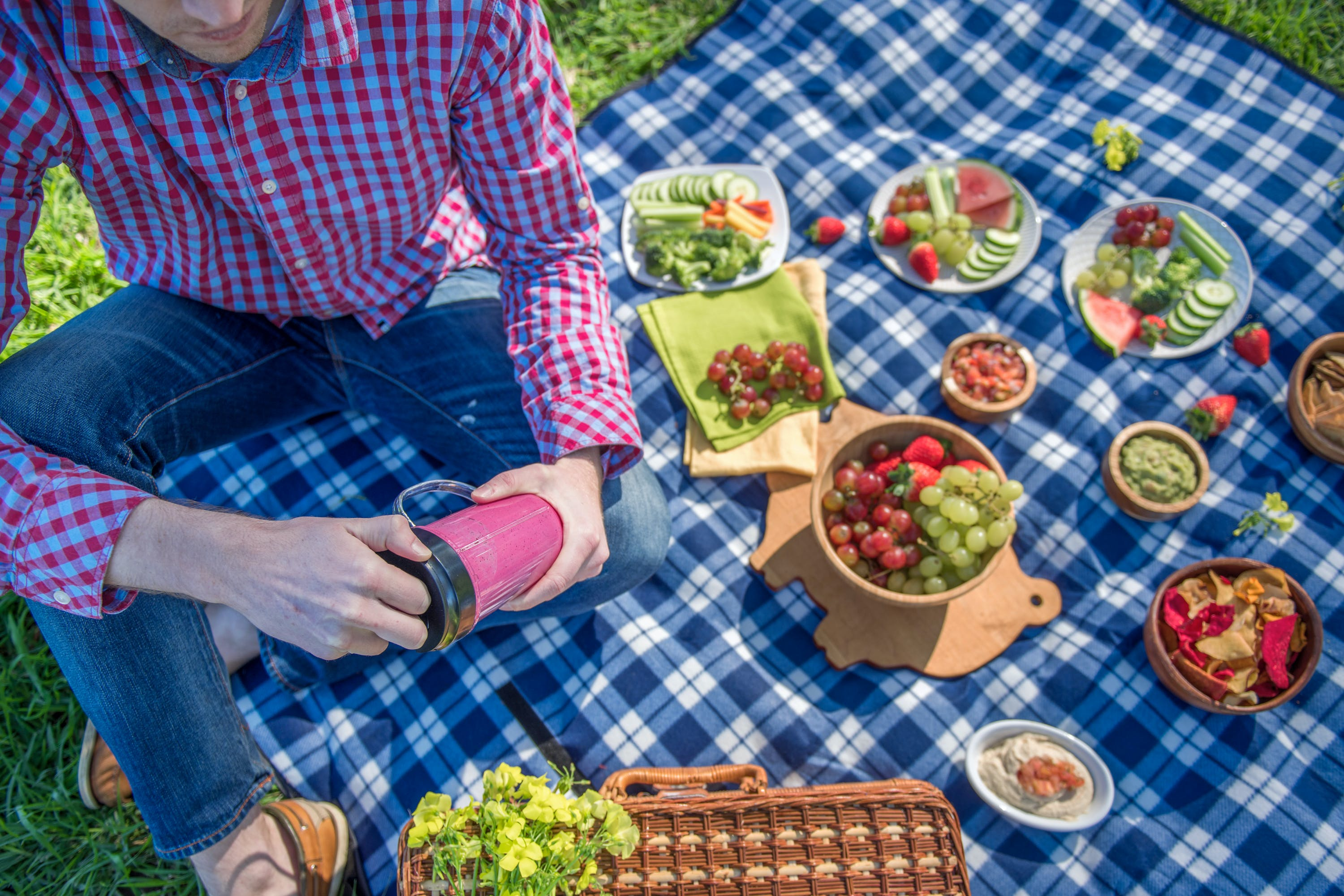 Healthy Picnic Ideas for Summertime