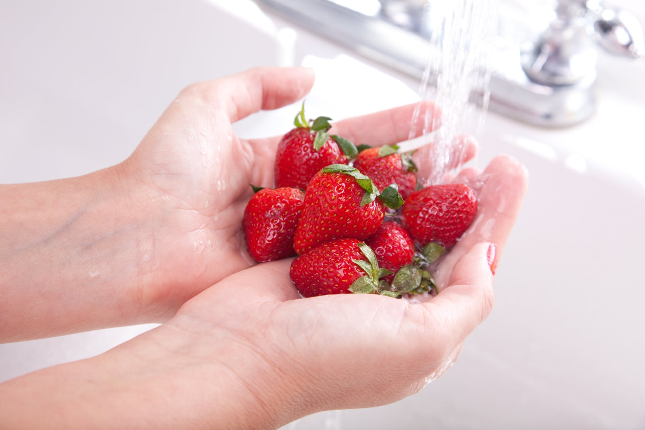 Do You Rinse Fresh Fruits and Veggies?