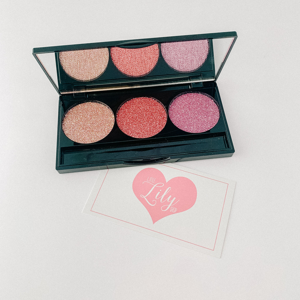 Little Lily Shop Scarlett Everly Rosey 3 Well EyeshadowPalette Pretend Makeup